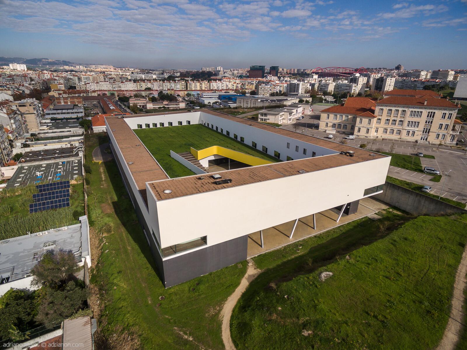 "Building aerial photograph of ""Escola Superior de Música de Lisboa"""